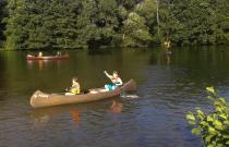 Die Jungschar beim Kanu fahren auf dem Berger See